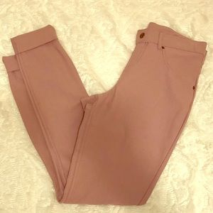 NEW WITH TAGS HUE cuffed essential skimmer pant